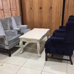 Bàn sofa cổ điển